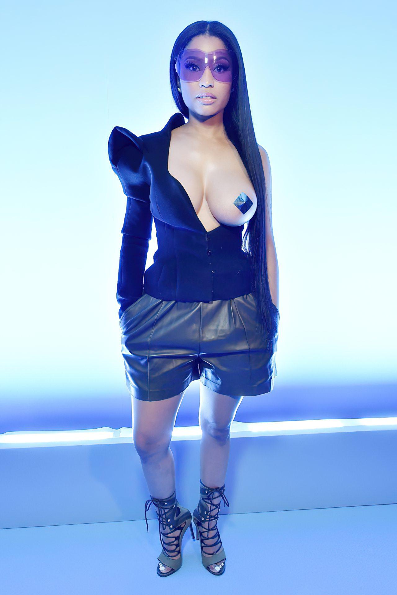 Nicki Minaj Peito (9)