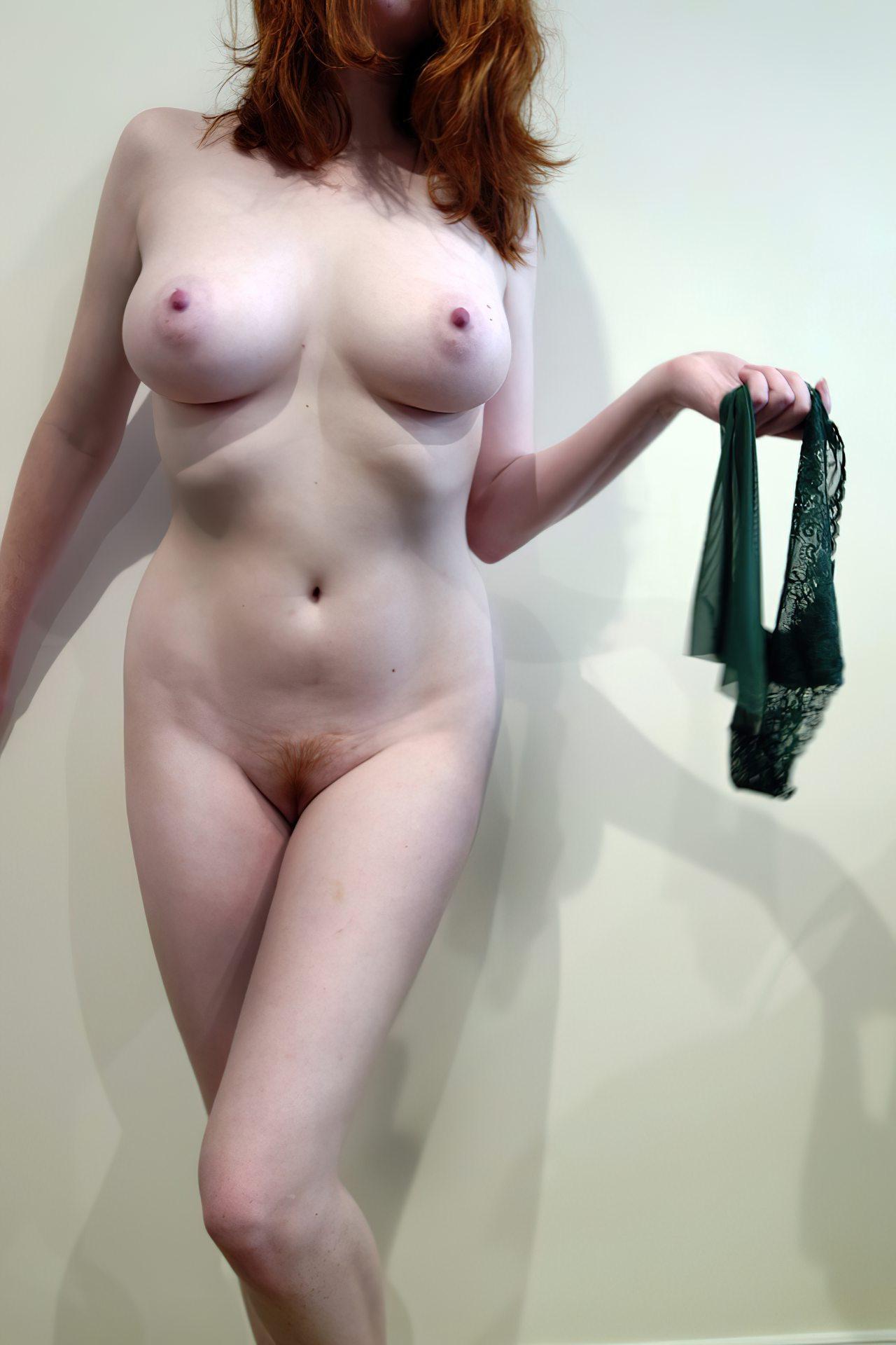 Amadora Branquinha Despindo Roupa (4)