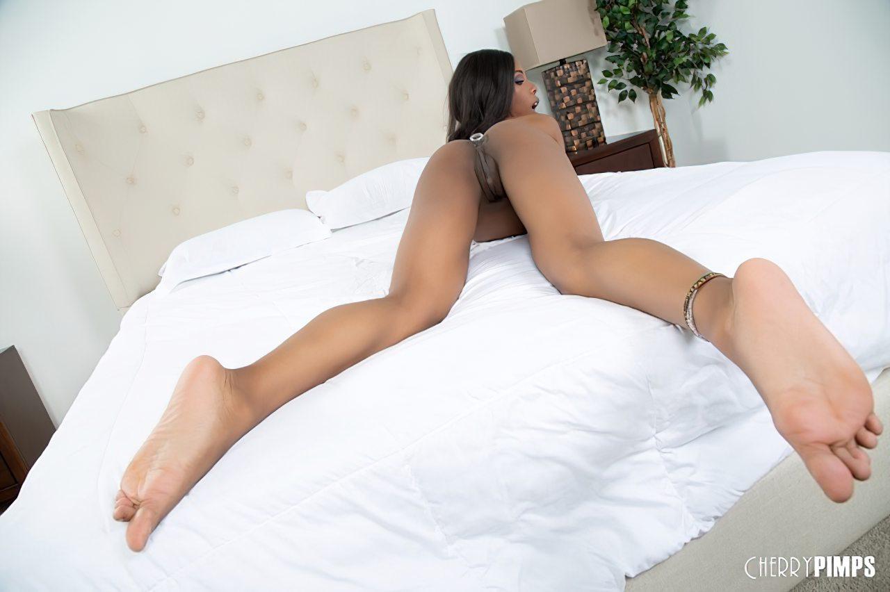 Sarah Banks Masturbacao (10)