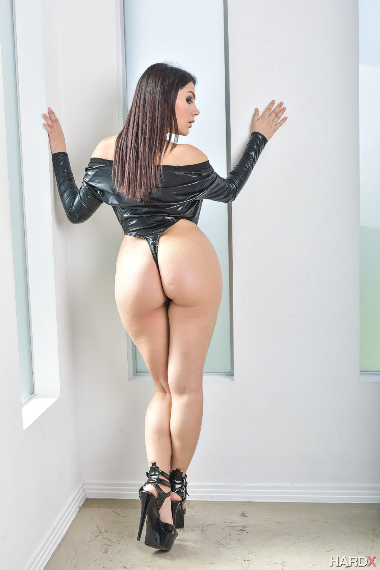 Mulher Italiana Rabuda (8)