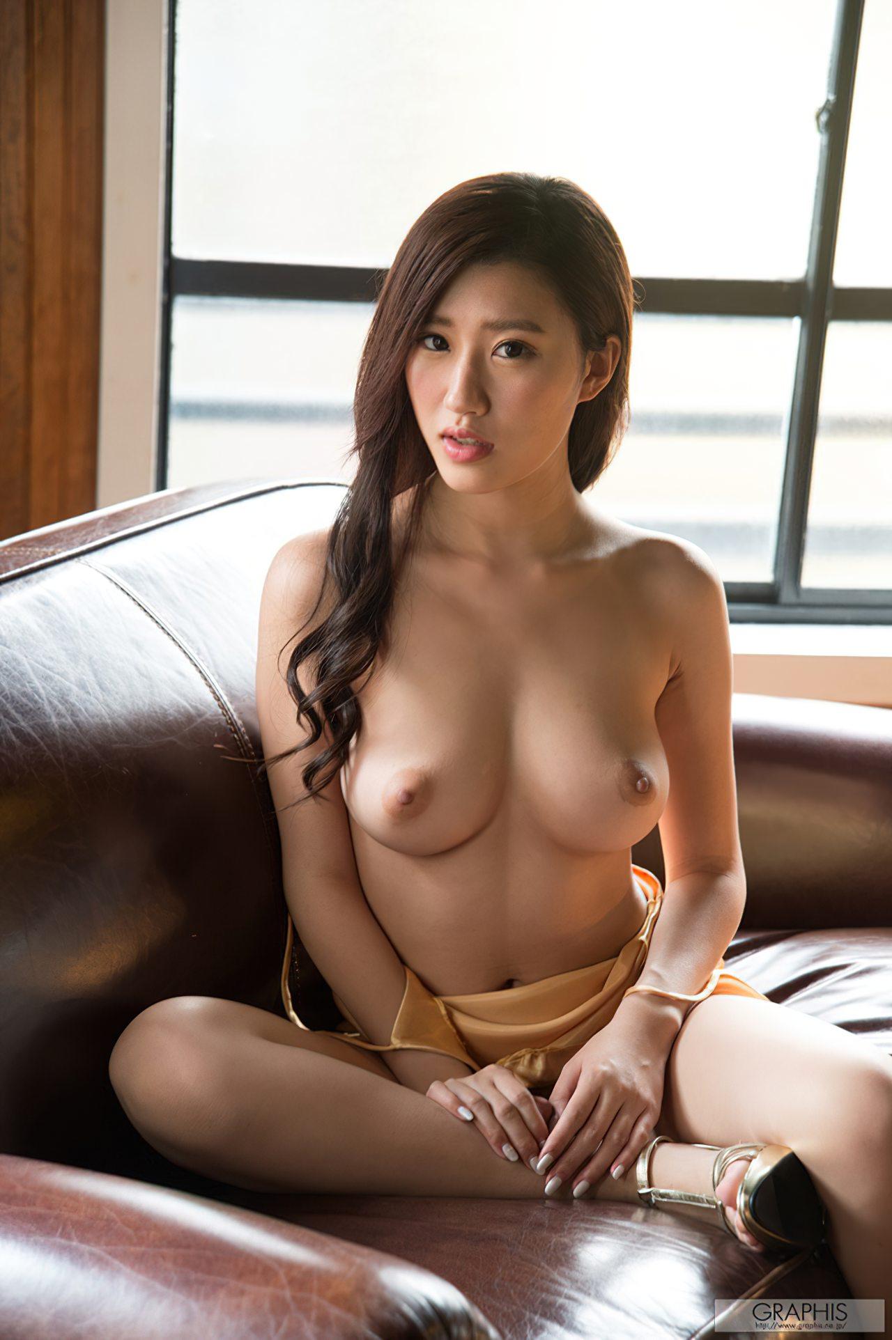 Sedutora Suzu Mitake (2)