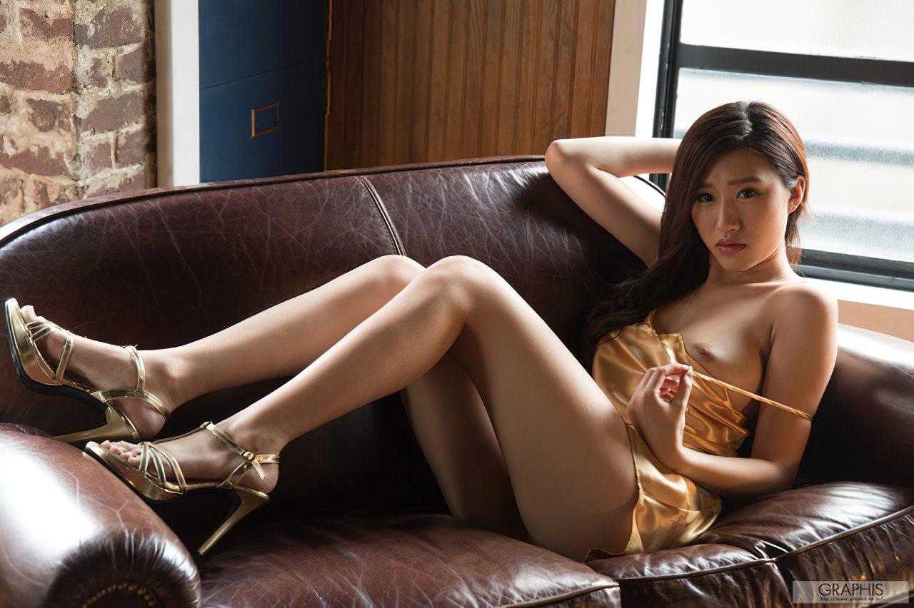 Sedutora Suzu Mitake (4)