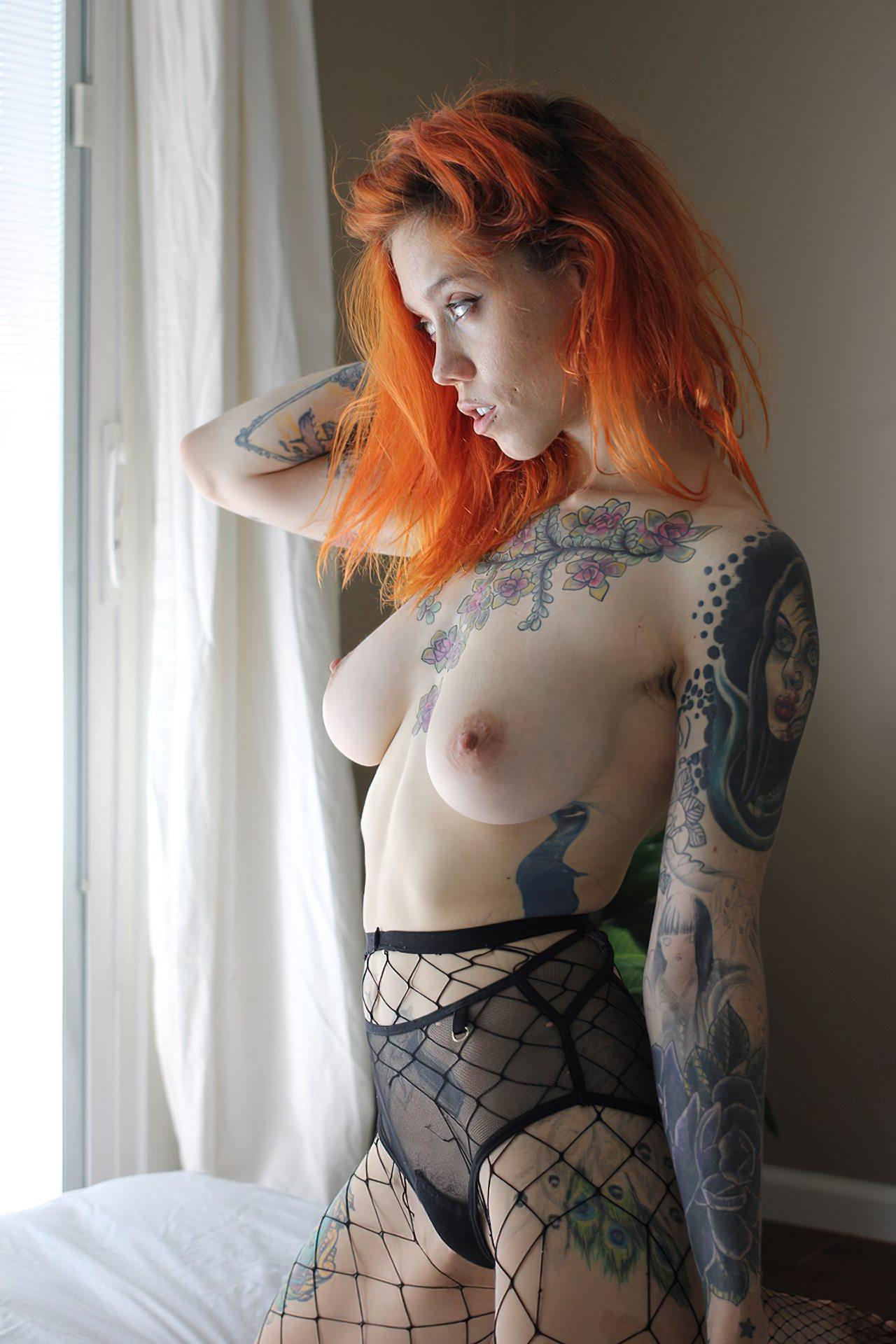 Branquinha Tatuada Dando Homem Dotado (1)