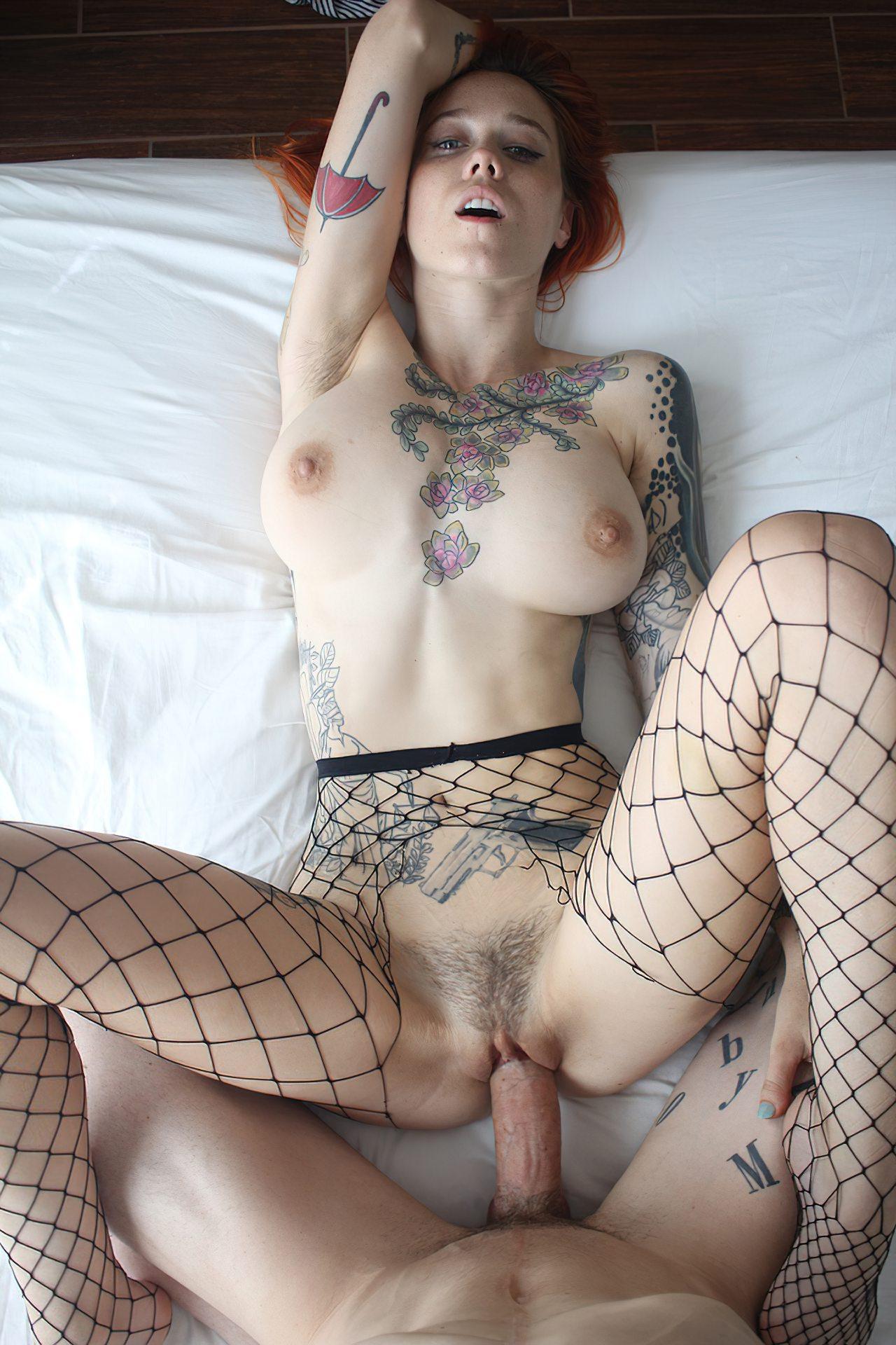Branquinha Tatuada Dando Homem Dotado (2)