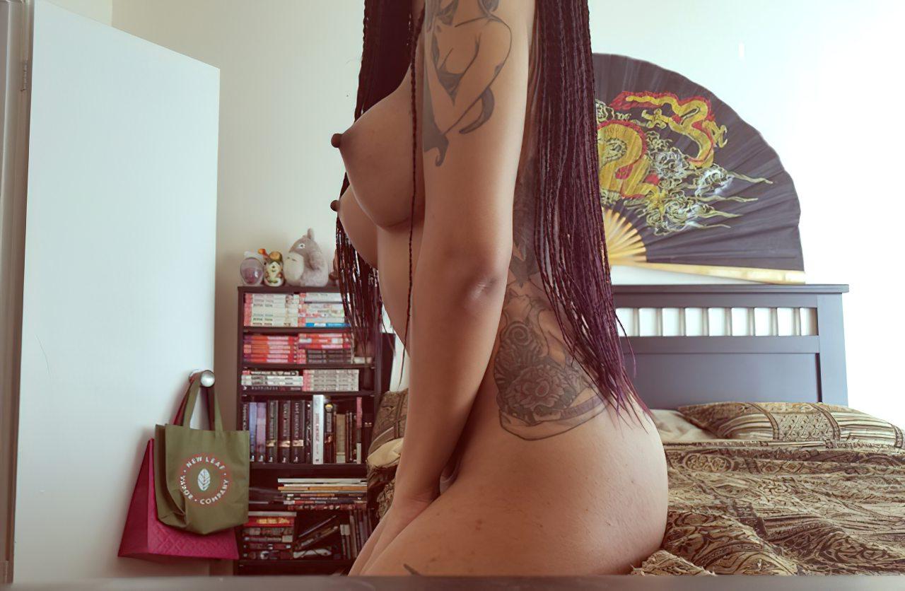 Negra Sexy Peitos Durinhos (1)