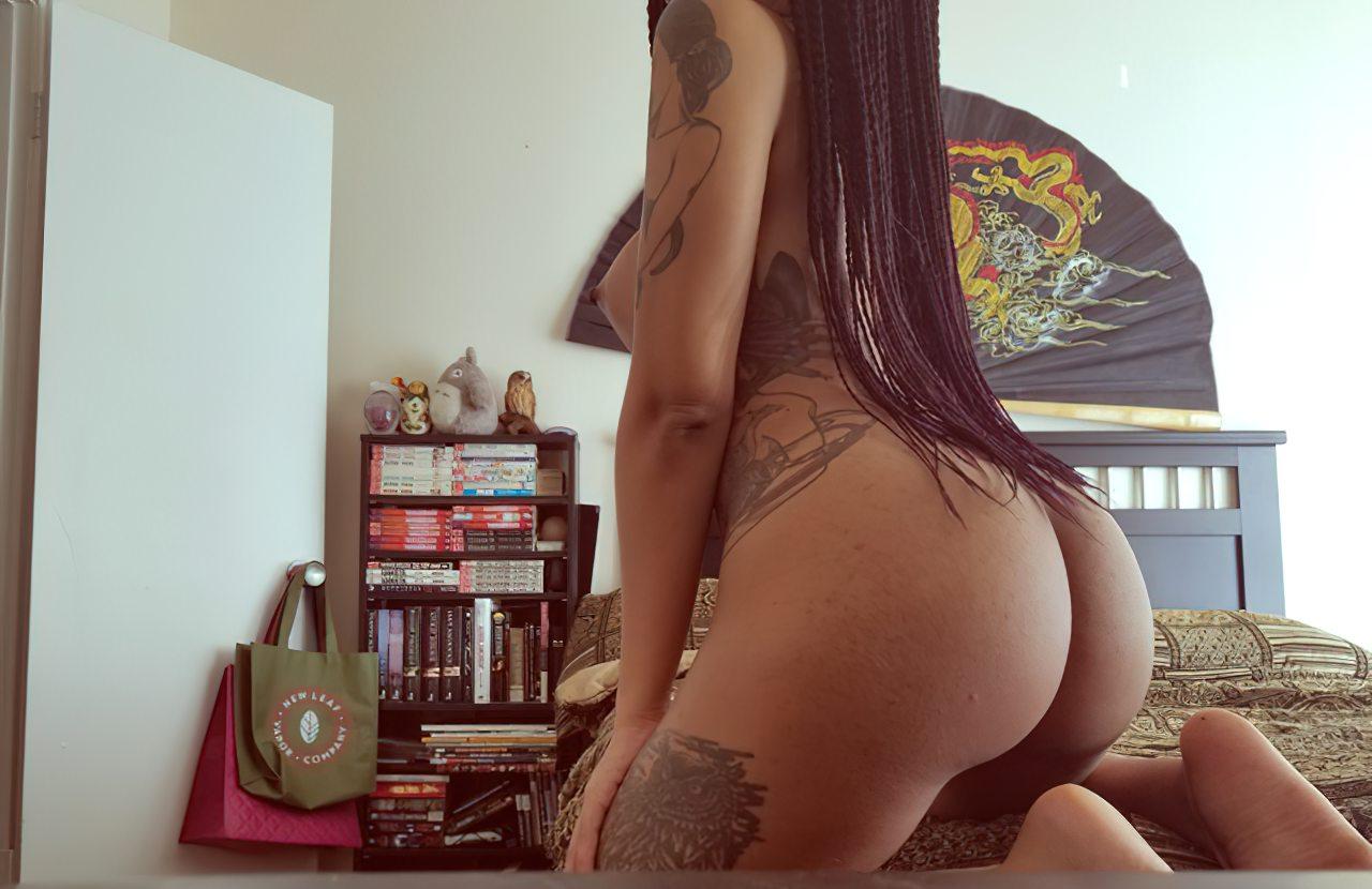 Negra Sexy Peitos Durinhos (2)