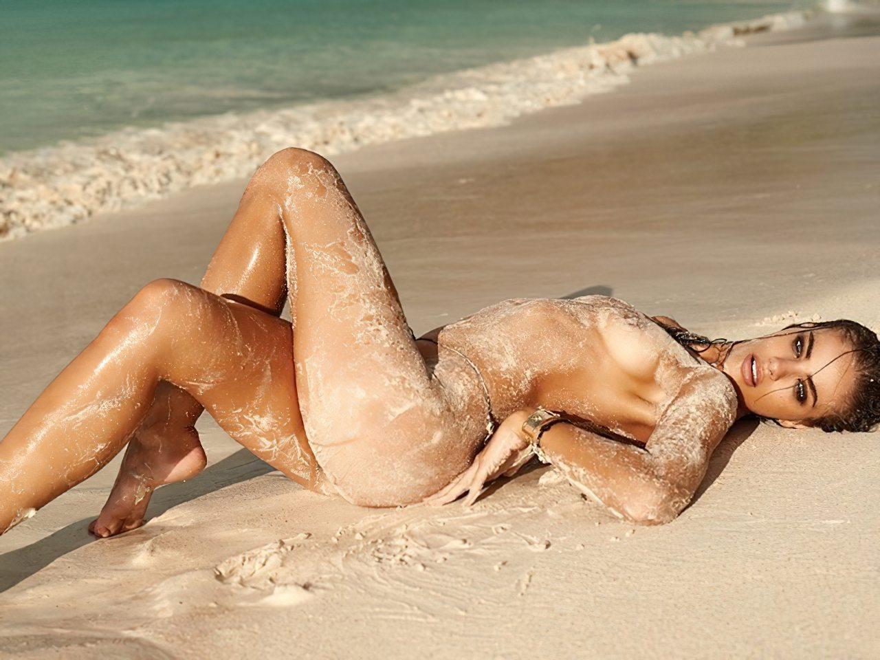 Nicole Meyer Nua na Praia (4)