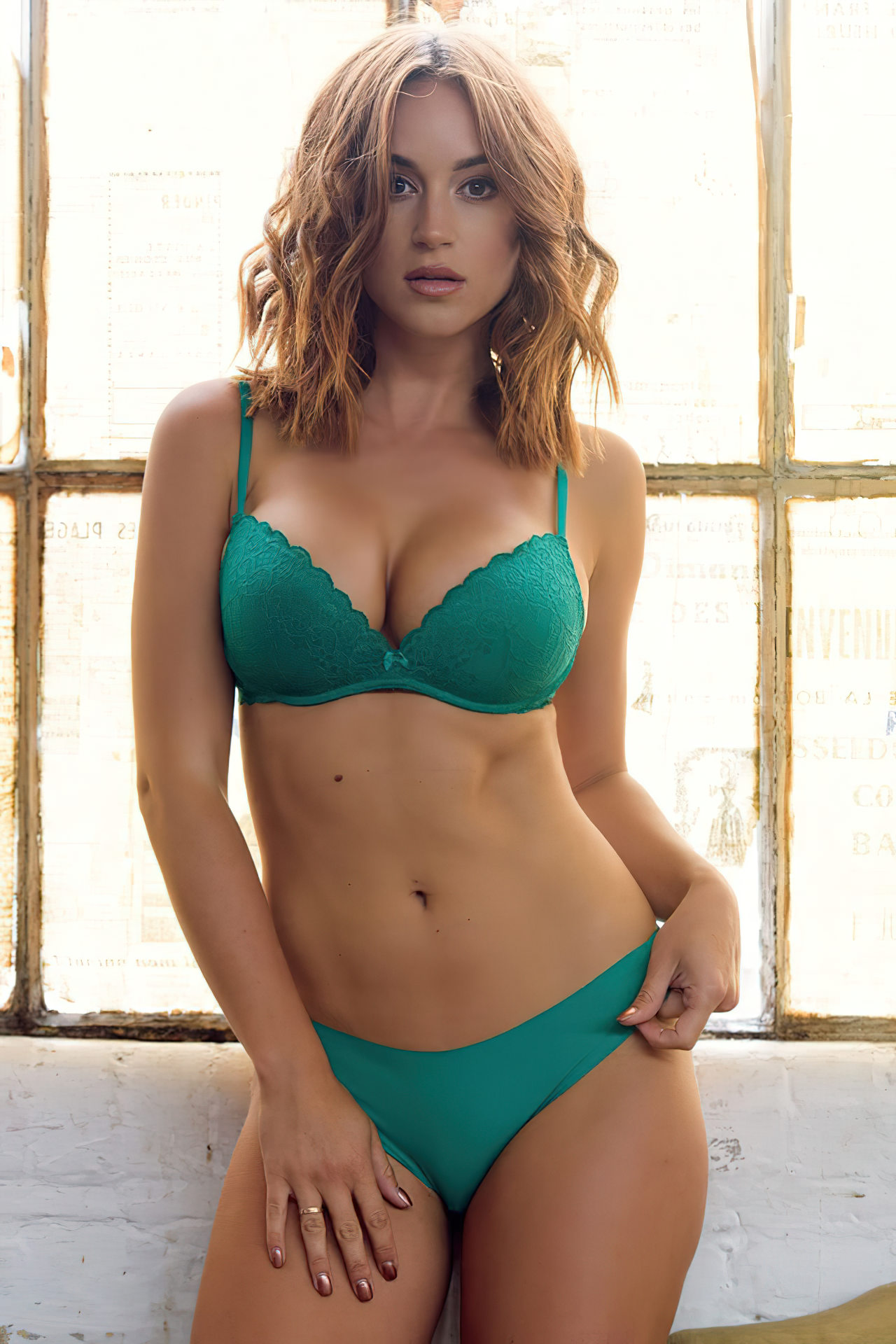 Rosie Jones Lingerie Verde