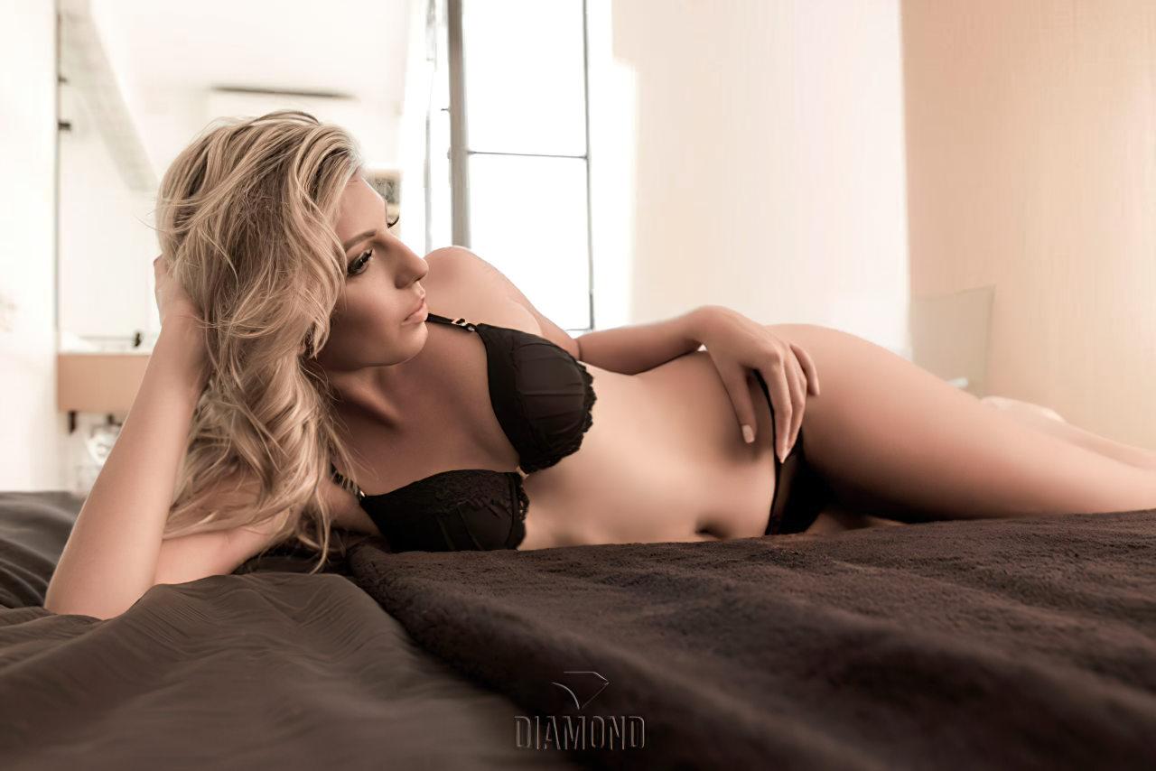 Talyta Schroeder Sexy (3)