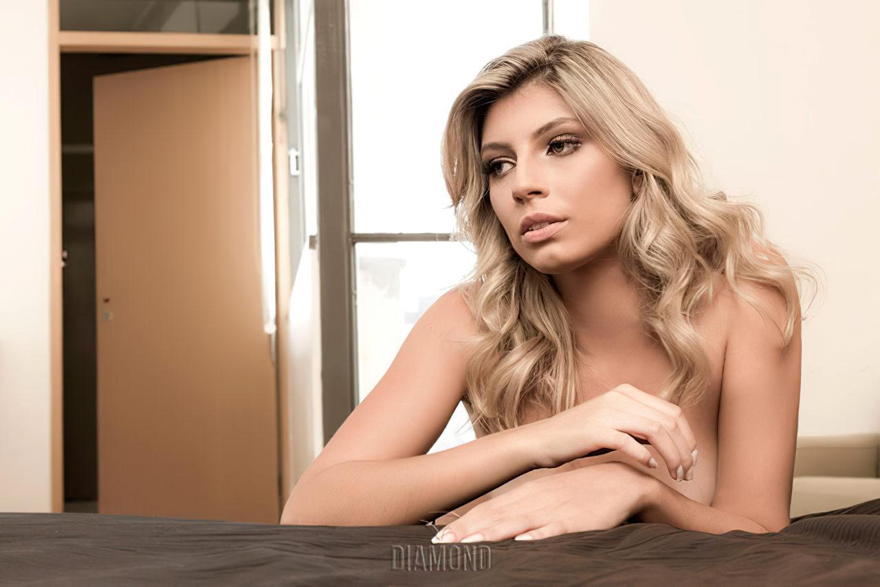 Talyta Schroeder Sexy (7)