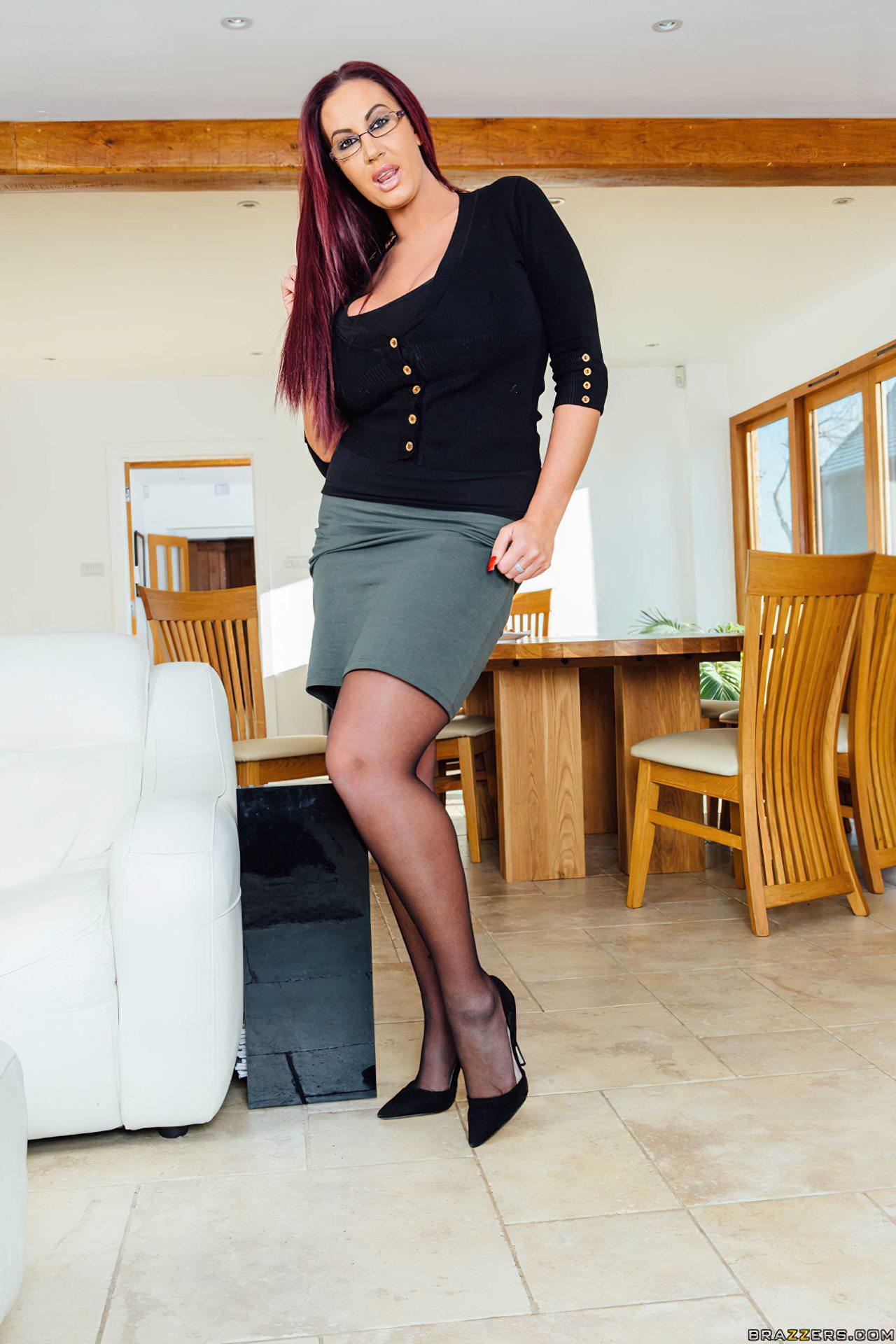 Mae Safada Sexo Amigo (1)