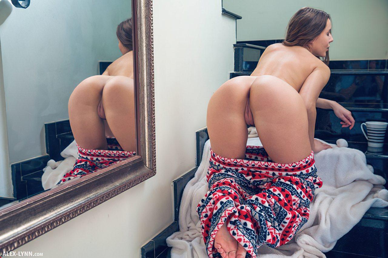 Naked Women (13)