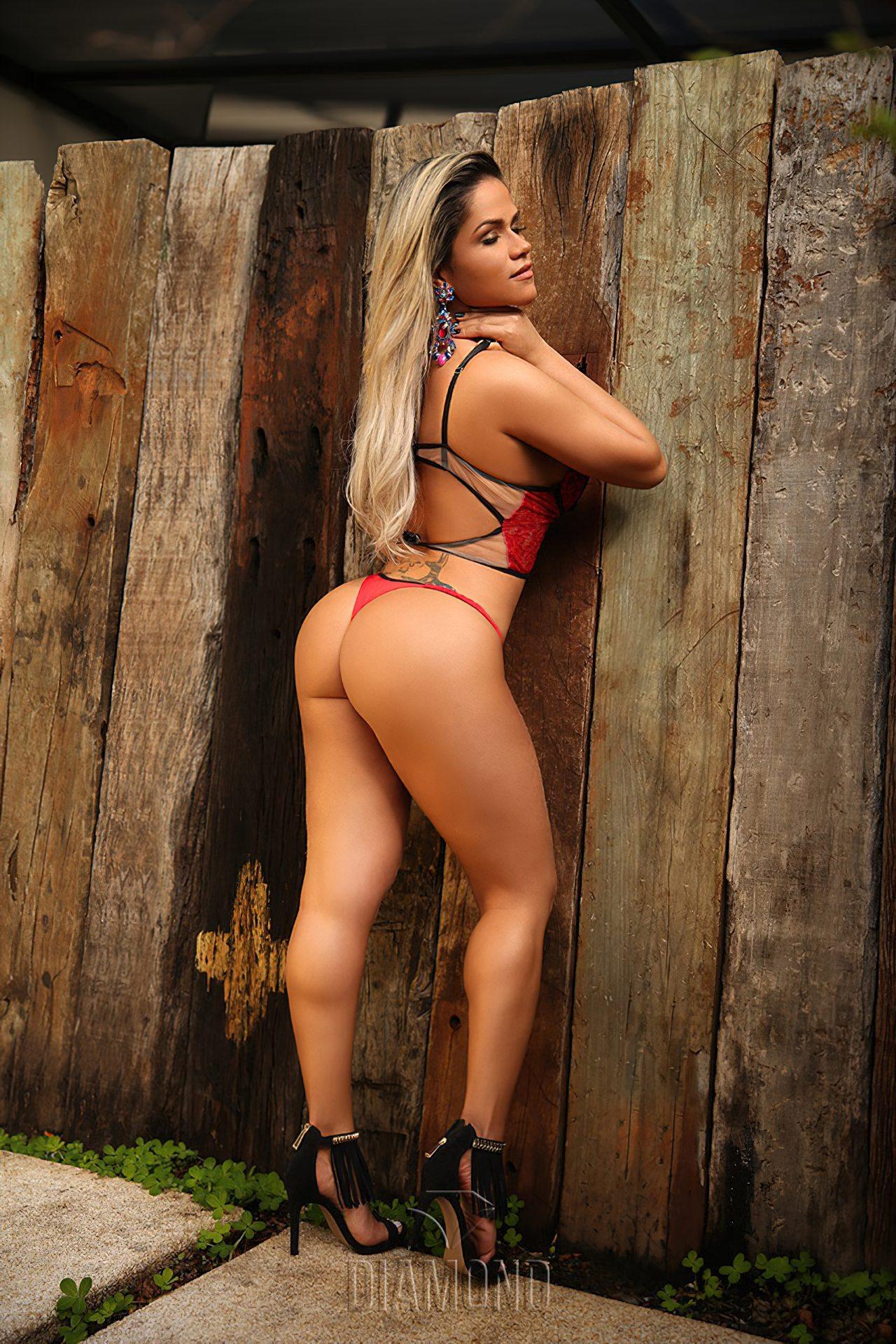 Natalia Rios Sexy (2)