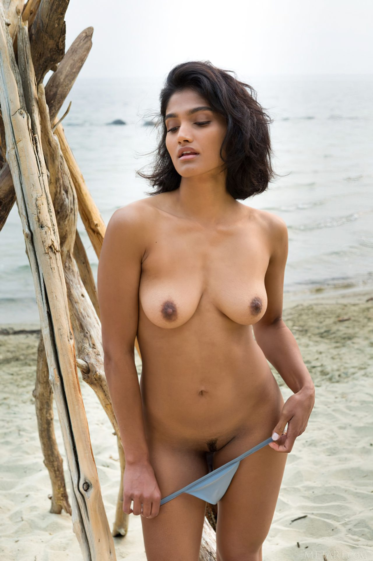 Morena Linda na Praia (7)