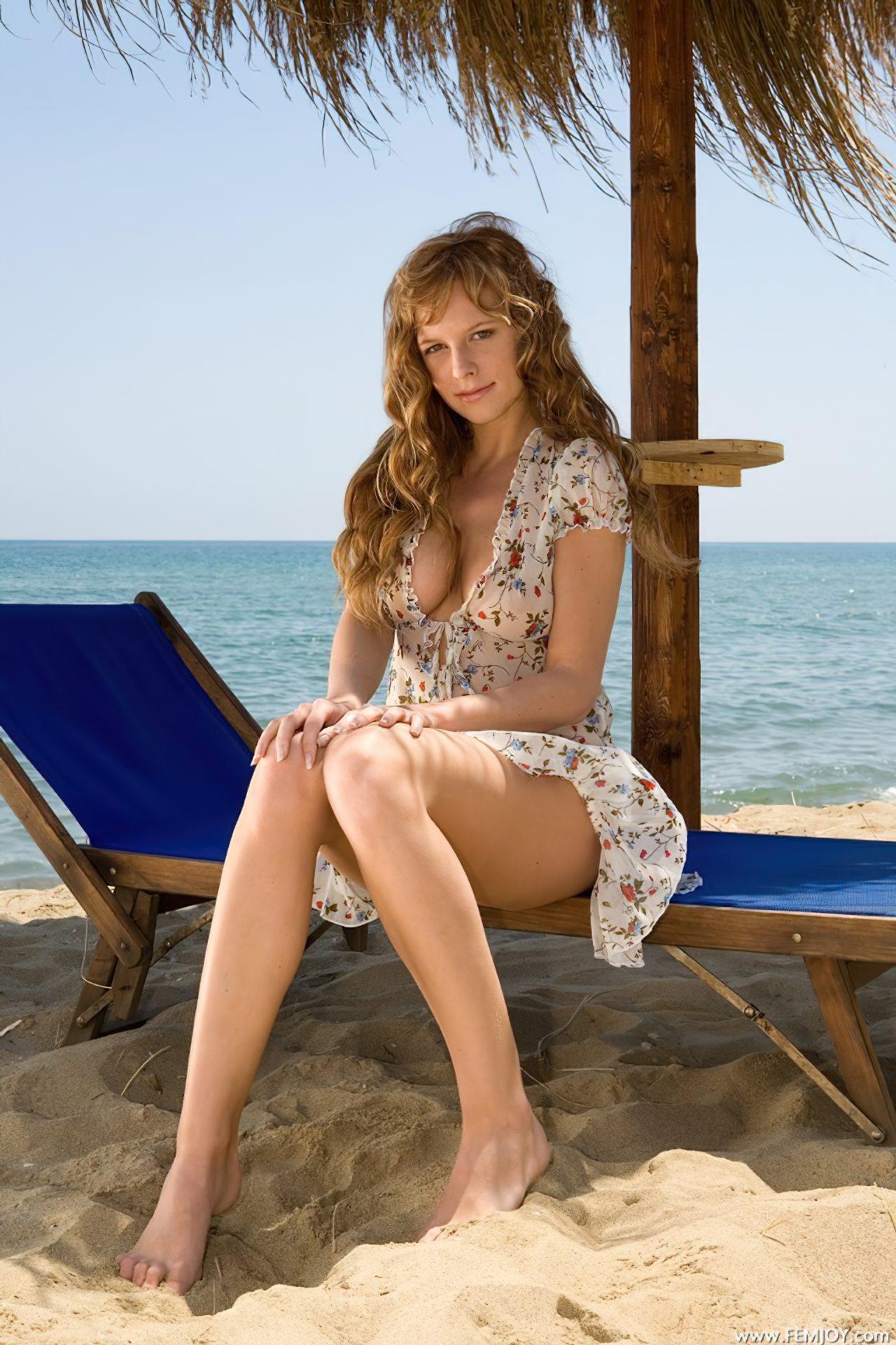 Mulher Linda Praia Tropical (1)