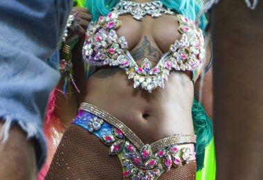 Rihanna Sexy Carnaval (1)