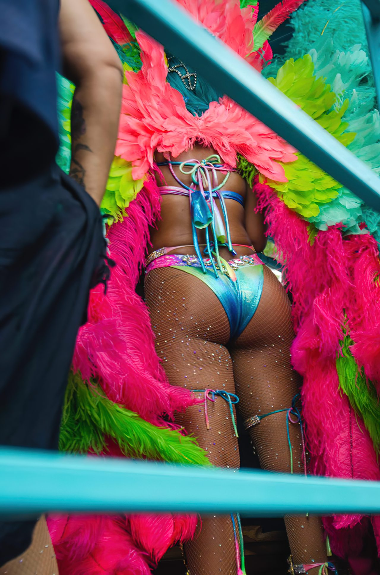Rihanna Sexy Carnaval (7)