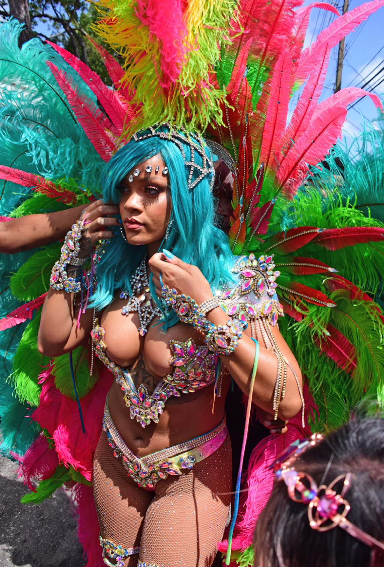 Rihanna Sexy Carnaval (15)
