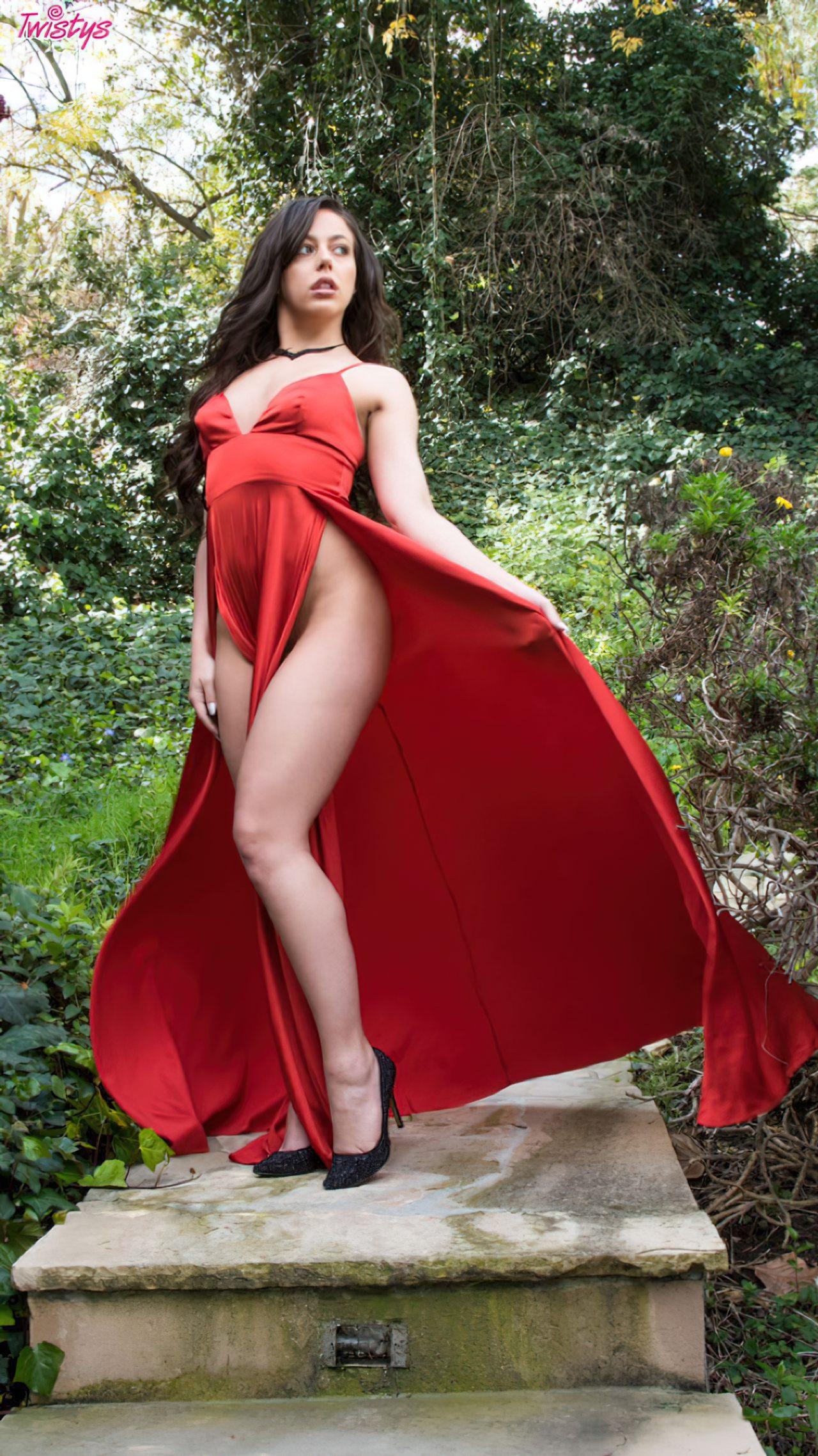 Despindo Vestido Vermelho Jardim (1)