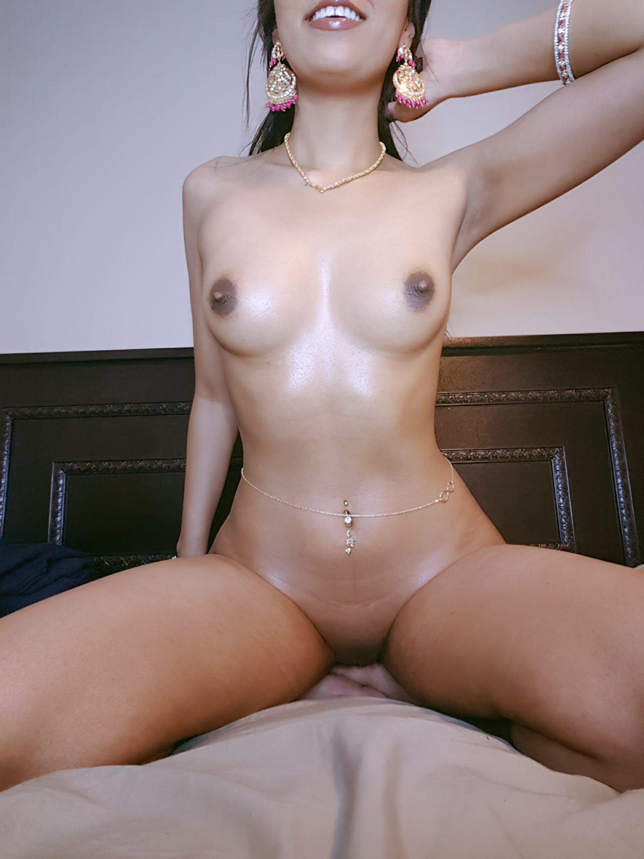 Mulher Indiana Exibida Nua (6)