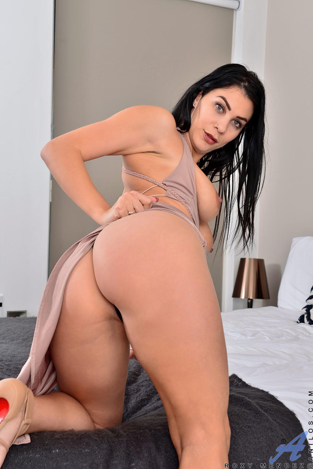 Morena Saltos Altos Striptease (5)