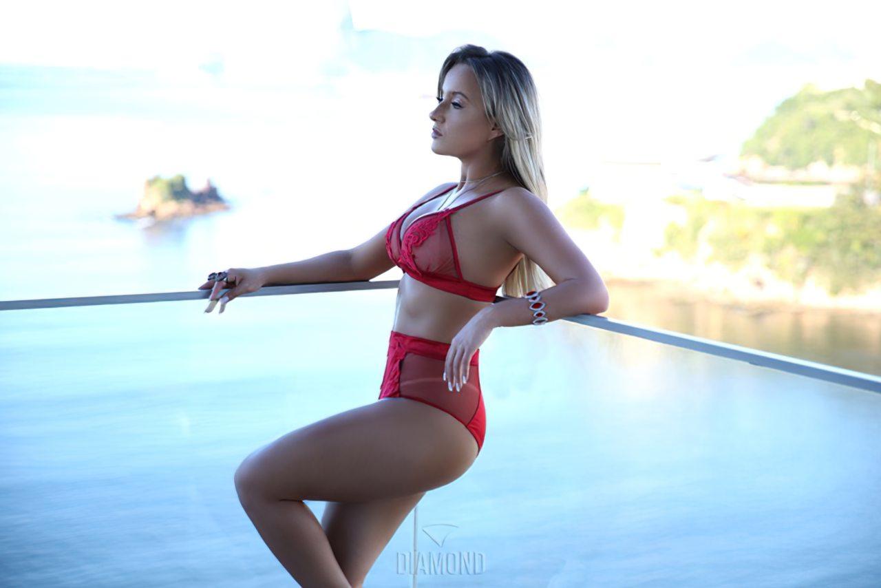 Thay Souza Nua (7)