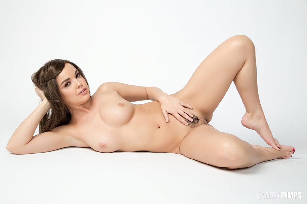 Dillion Harper Despida (12)