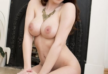 Amber Bambi Nua