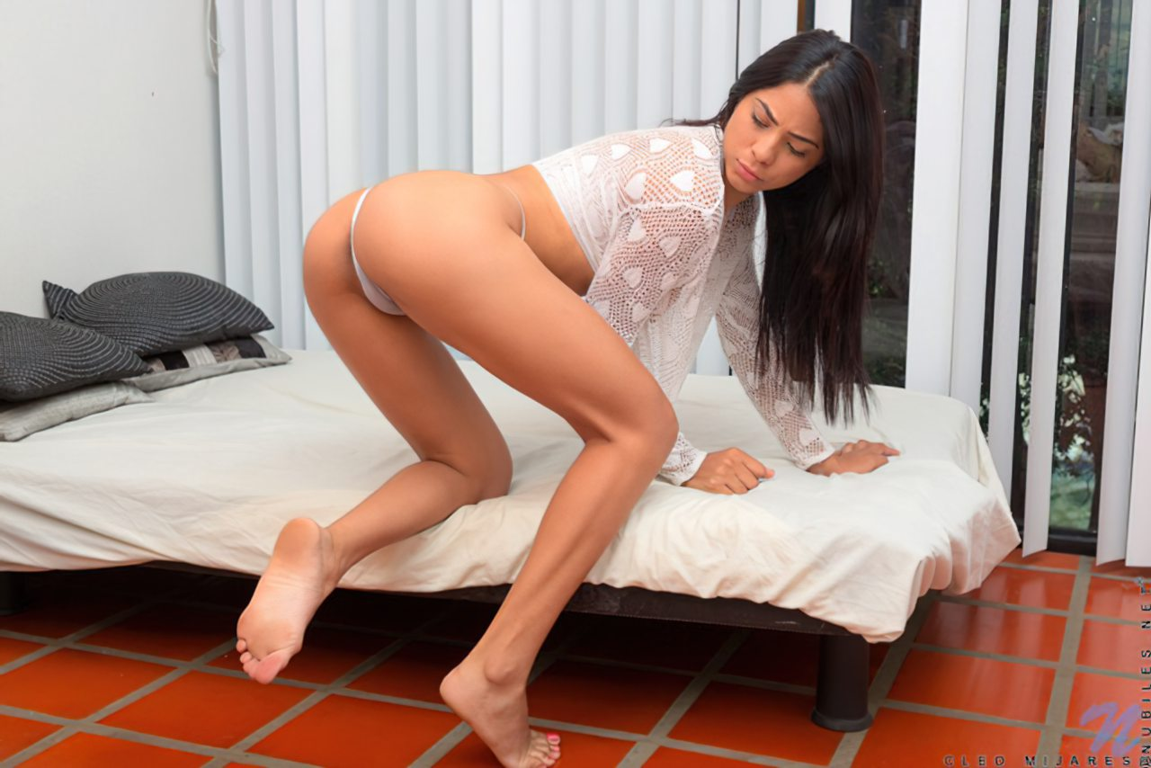 Striptease Moreninha Latina (3)