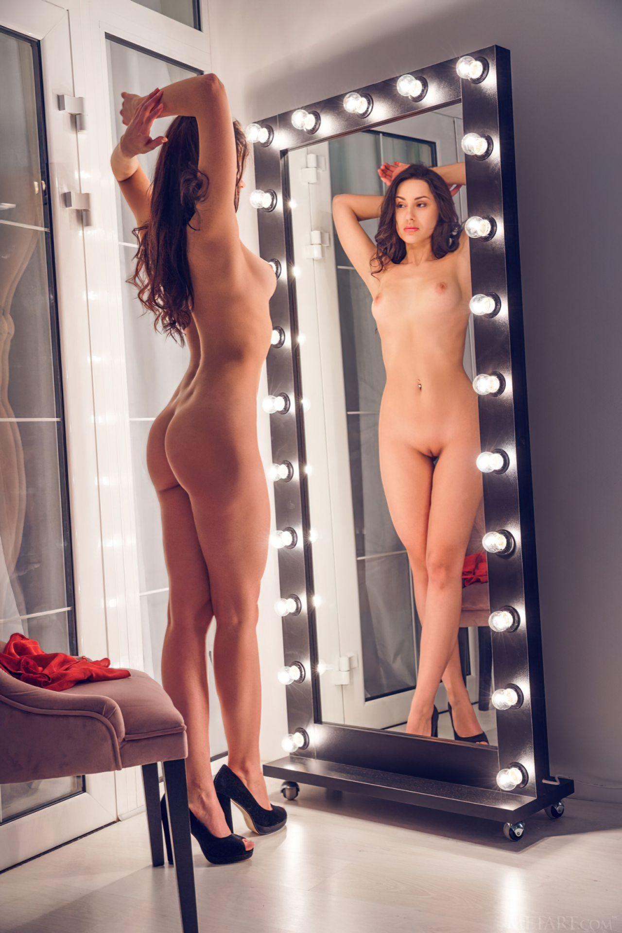 Striptease Frente do Espelho (8)