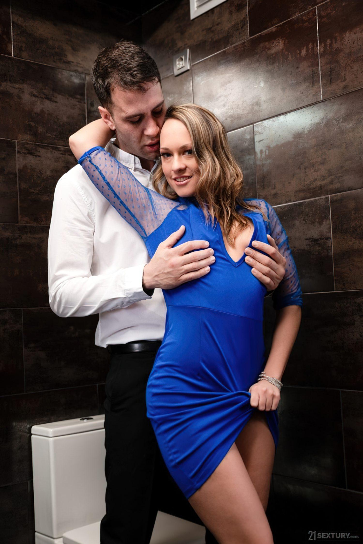 Rapidinha Banheiro do Restaurante (4)