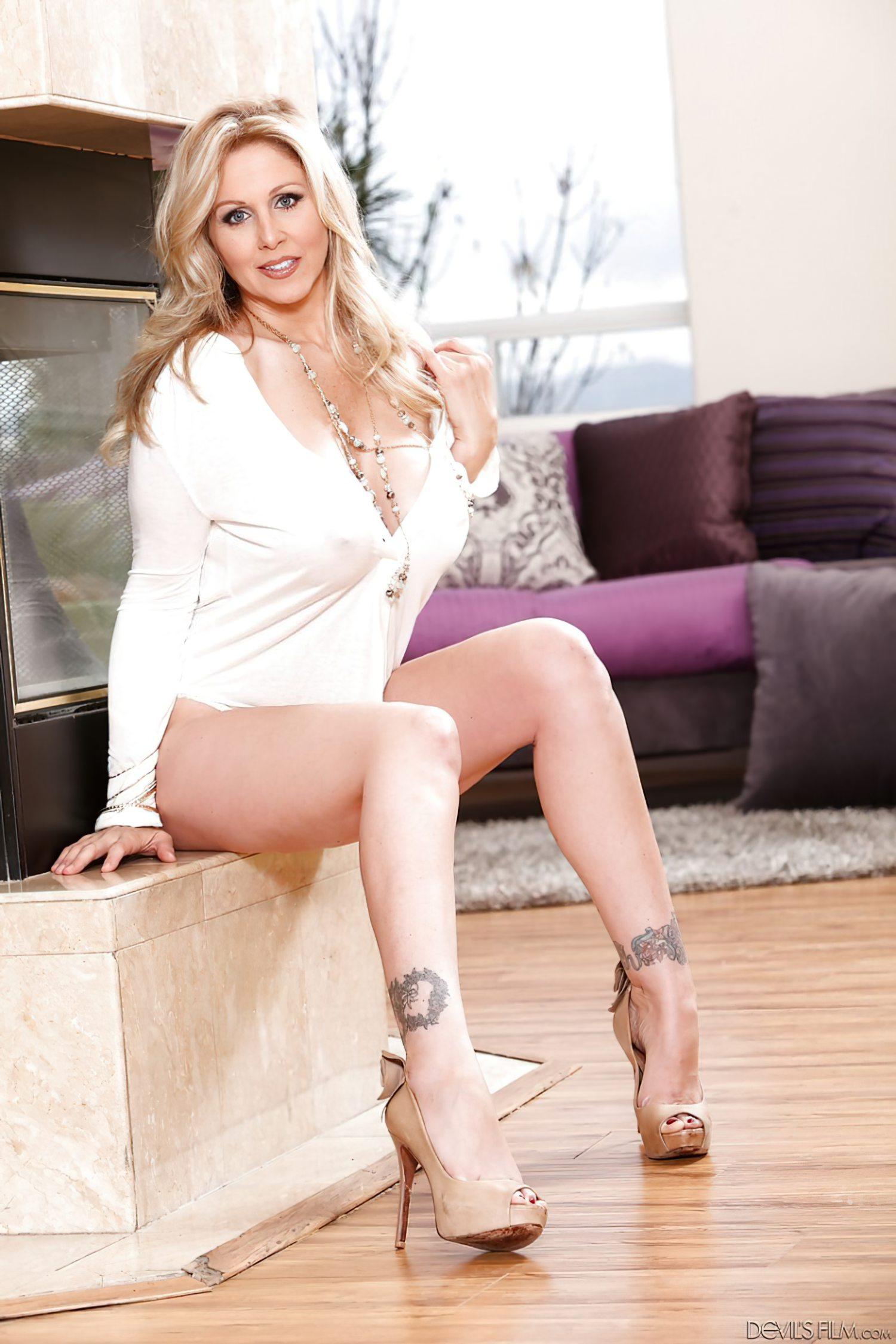 Julia Ann Milf (2)