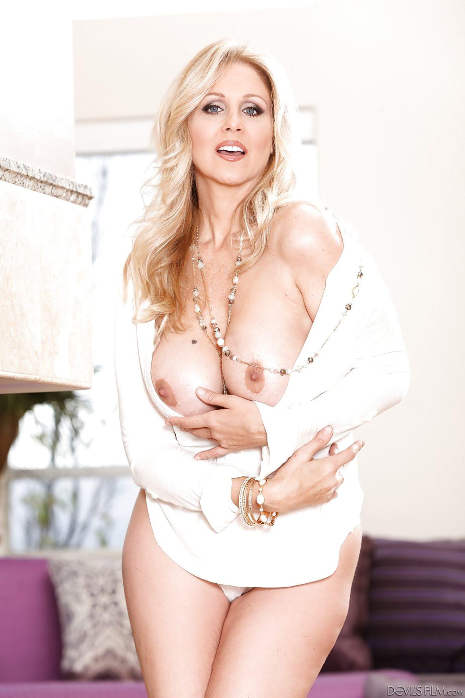 Julia Ann Milf (4)