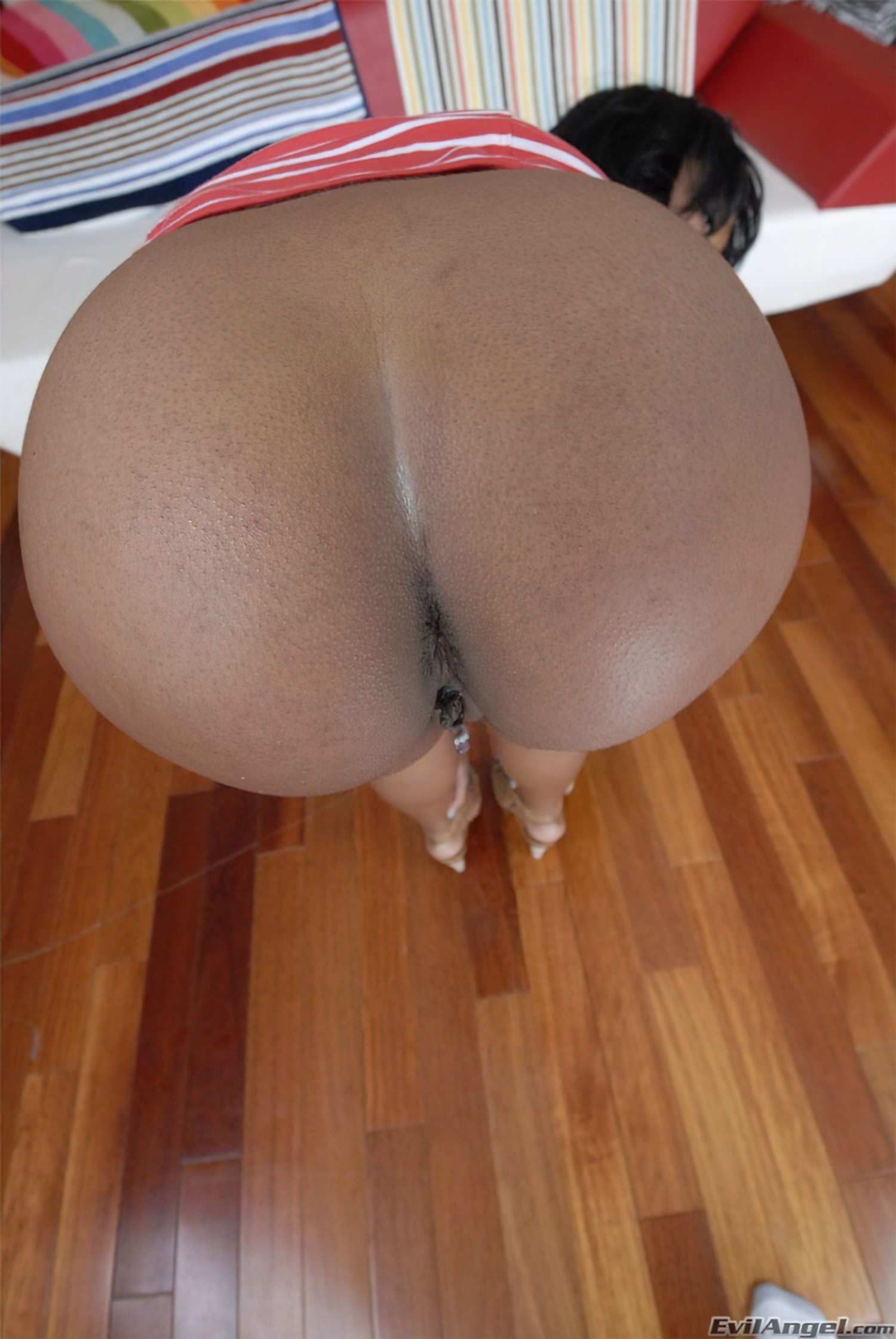 Negra do Rabo Grande (4)