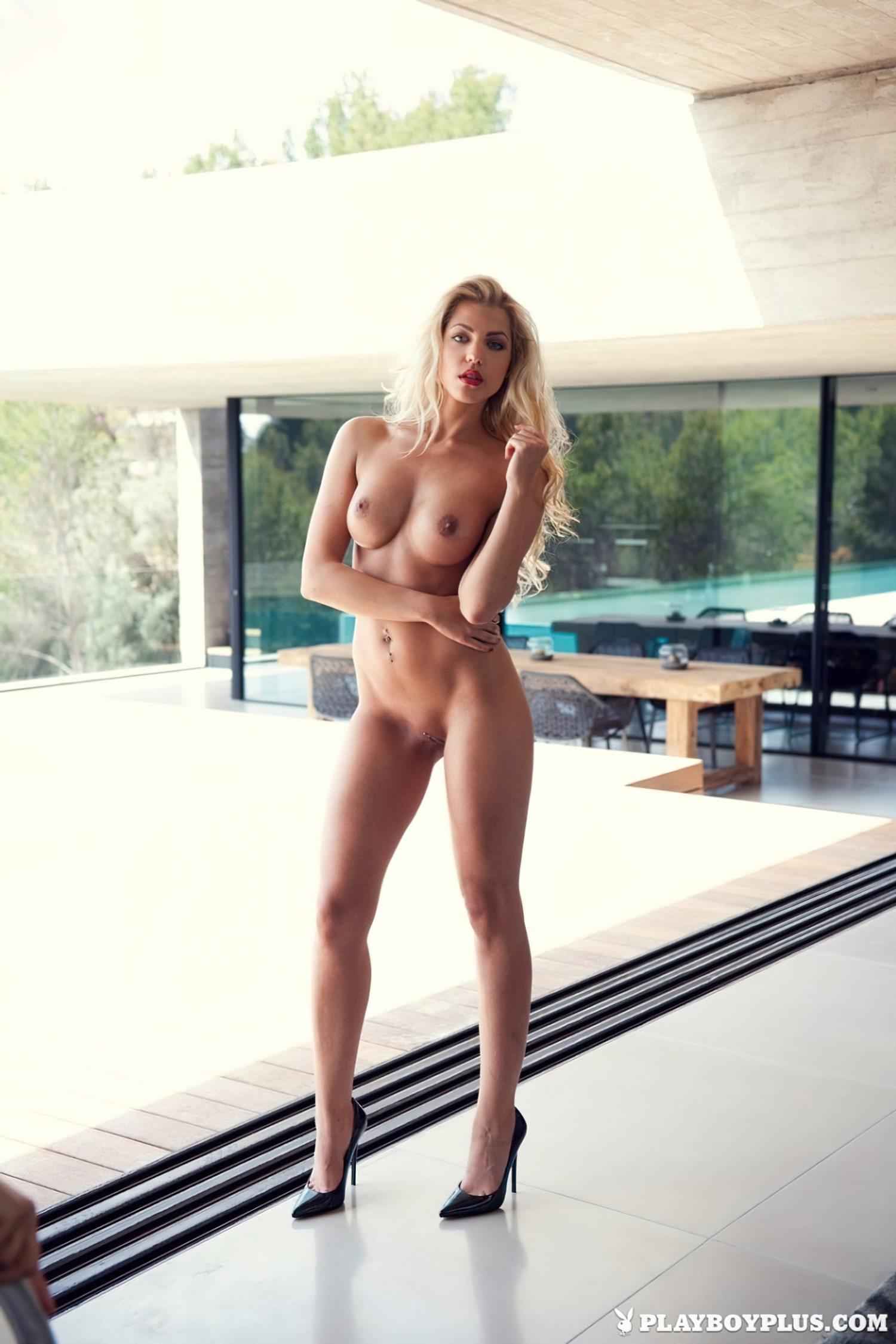 Sarah Nowak Loira Linda (10)
