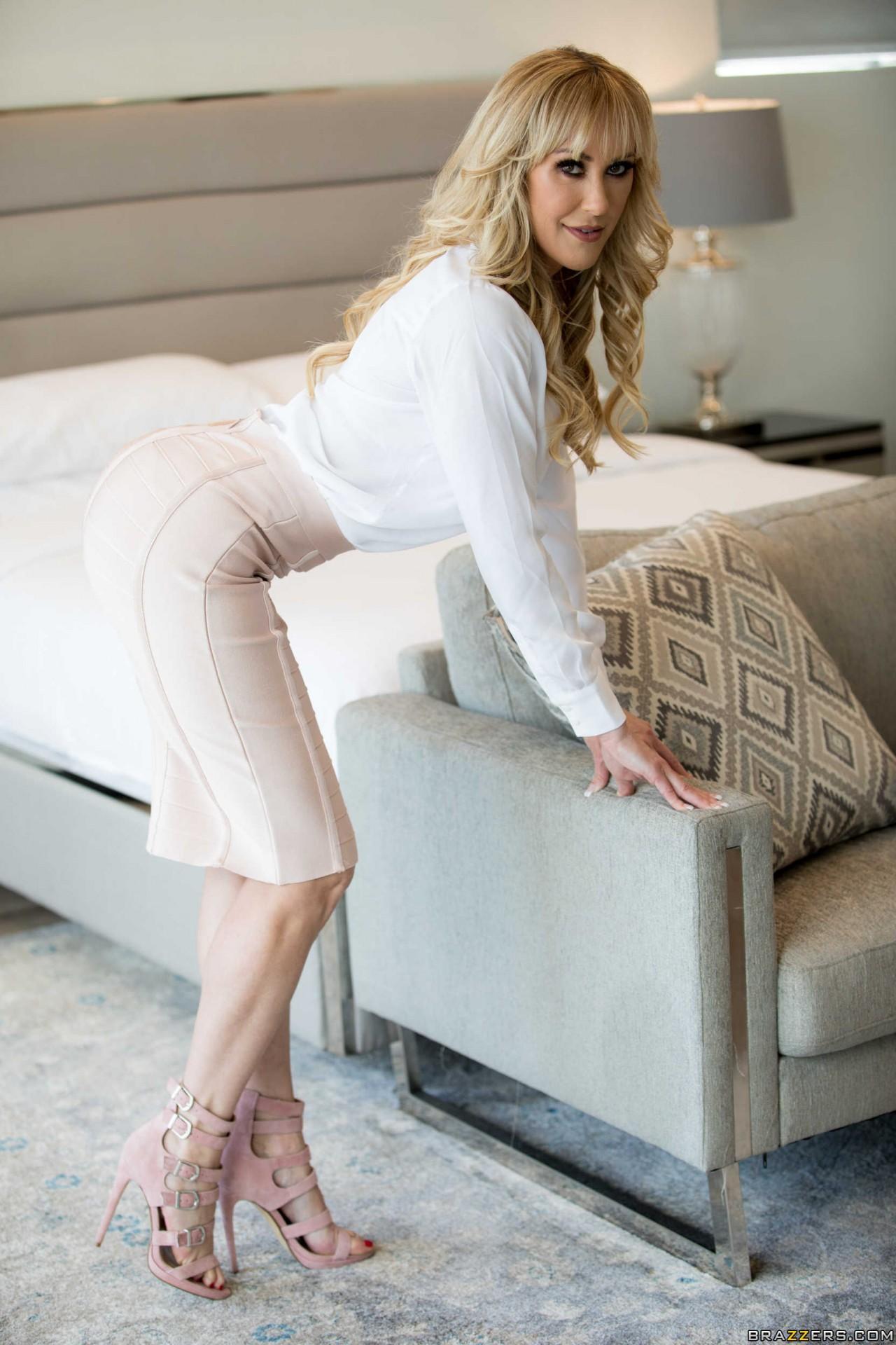 Brandi Love Sexy (2)