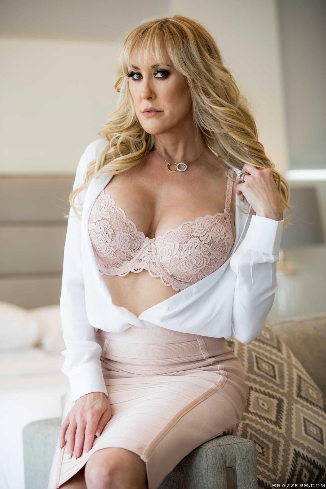 Brandi Love Sexy (3)