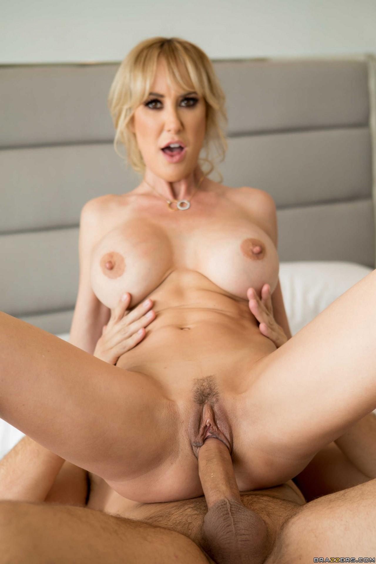 Brandi Love Sexy (15)